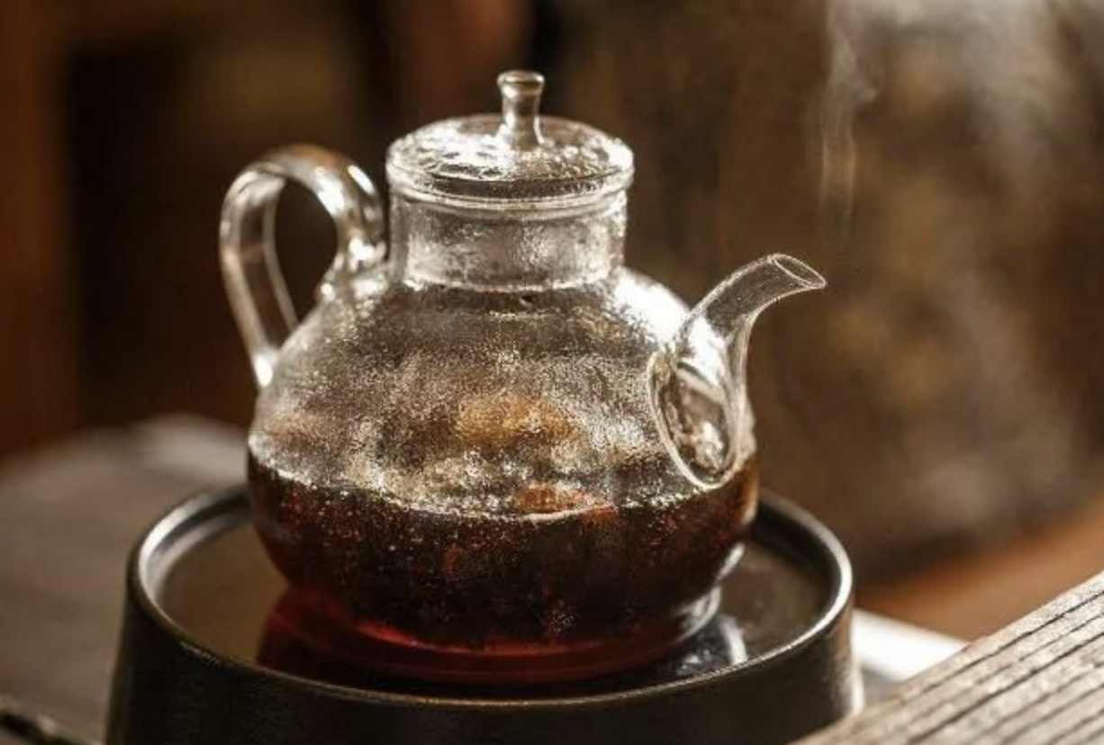 Should You Boil Your Tea Instead of Brewing?